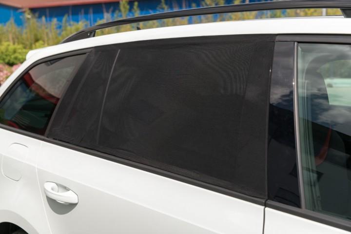 Auto Sonnenschutz Tür geschlossen