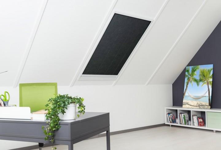 Sonnenschutz Insektenschutz Dachfenster Plissee Sonnenschutz geschlossen
