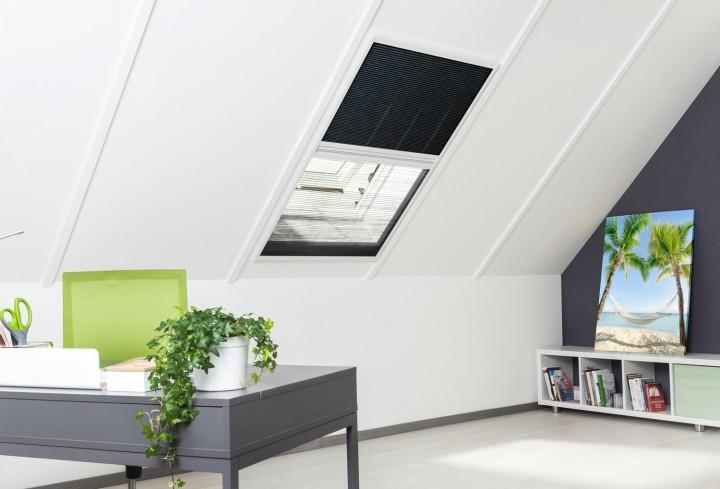 Sonnenschutz Insektenschutz Dachfenster Plissee geschlossen