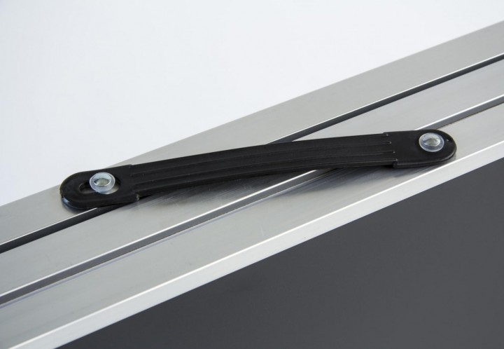Tapeziertisch Stahl Griff