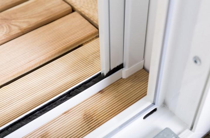 Insektenschutzrollo Tür Smart Führungsprofil Boden