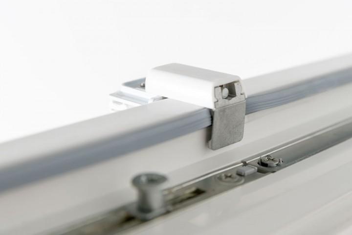 Plissee auf Maß Detail Klemmträger ohne Bohren oben von hinten